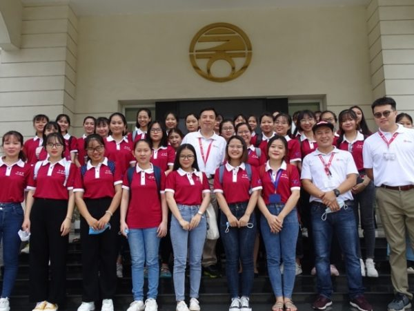 01,02-10-2020 The Chinese Department of Tulongmu University visited Chinli My Phuoc Factory